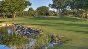 Rolling Greens Photo/Ken E. May www.golfjacaranda.com